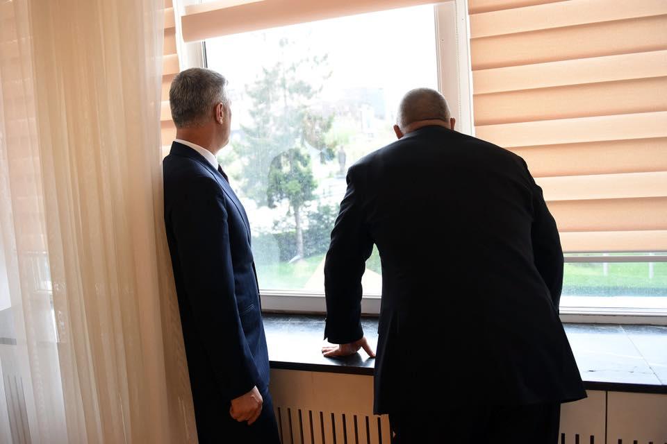 Image result for Kryeministri bullgar kureshtar të shoh Prishtinën nga zyra e Thaçit (Foto)