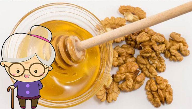 Përse duhet të hamë mjaltë me arra, ilaçin 100% natyror