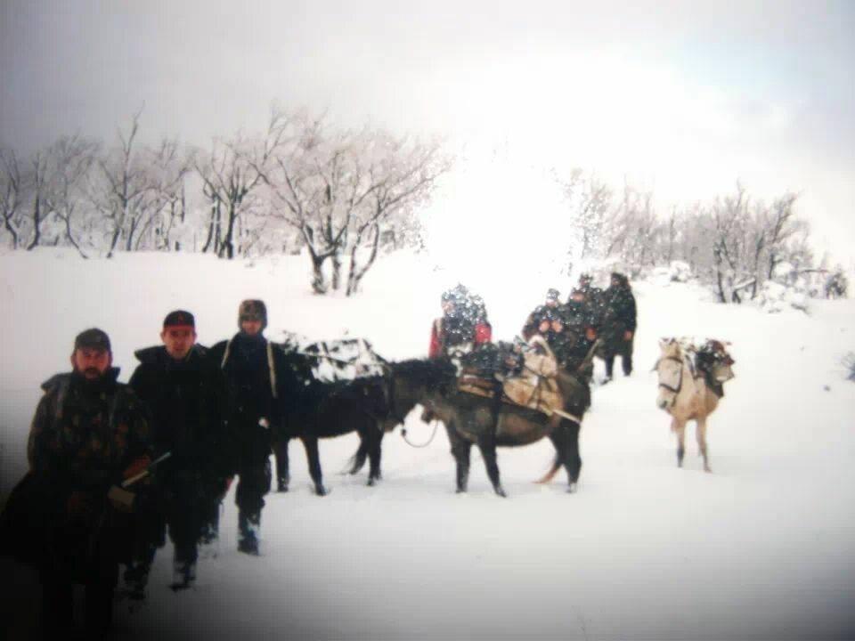 Kur Mujë Krasniqi dhe Ilir Konushevci ishin nisur për ta mbrojtur familjen Jashari!