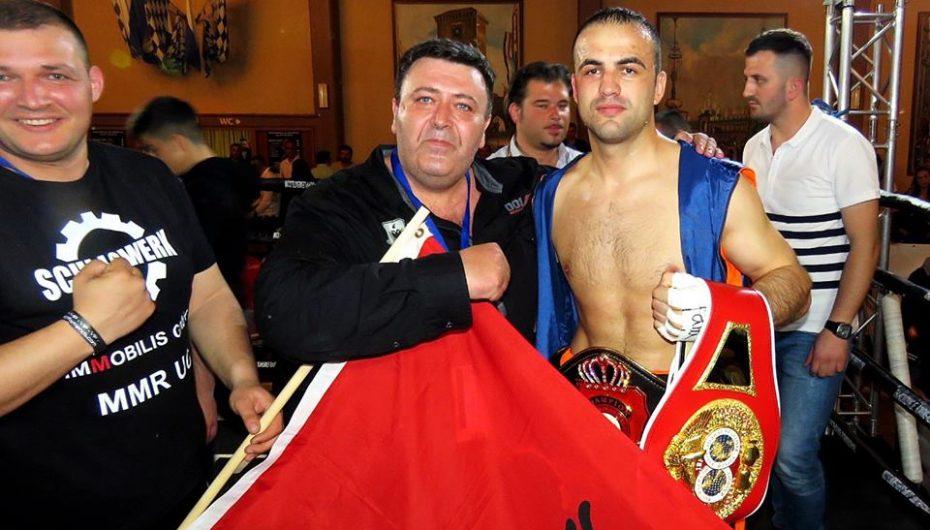 Ky është boksieri shqiptar që do të luftoj për titullin e kampionit të botës