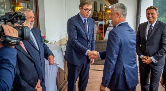 Për herë të parë Thaçi rrëfen takimet me Vuçiç pa praninë e kamerave