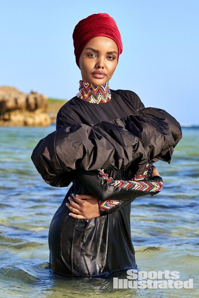 Modelja myslimane thyen barrierat, pozon me burka për
