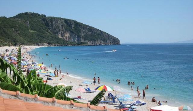 keto-aktivitete-ne-shqiperi-do-te-jene-te-ndaluara-hapen-plazhet-dhe-transporti-publik
