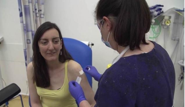 Mjekja që mori vaksinën kundër koronavirusit nuk ka vdekur