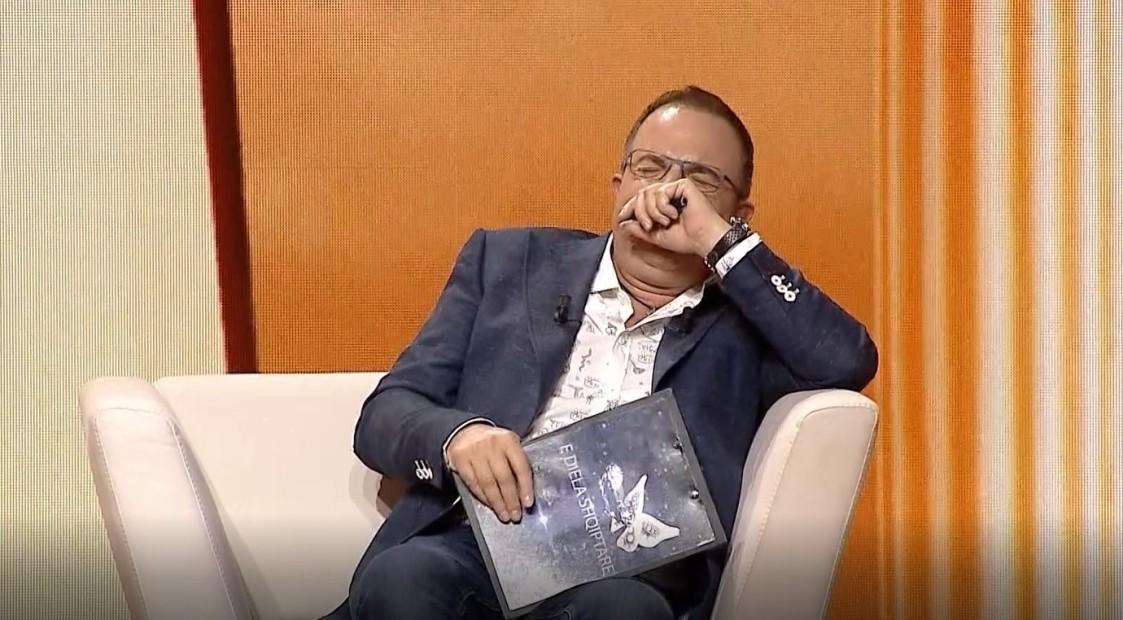 I del situata nga kontrolli, Ardit Gjebrea duke qeshur: Ju kërkoj ndjesë, nuk më ka ndodhur që 9 vite