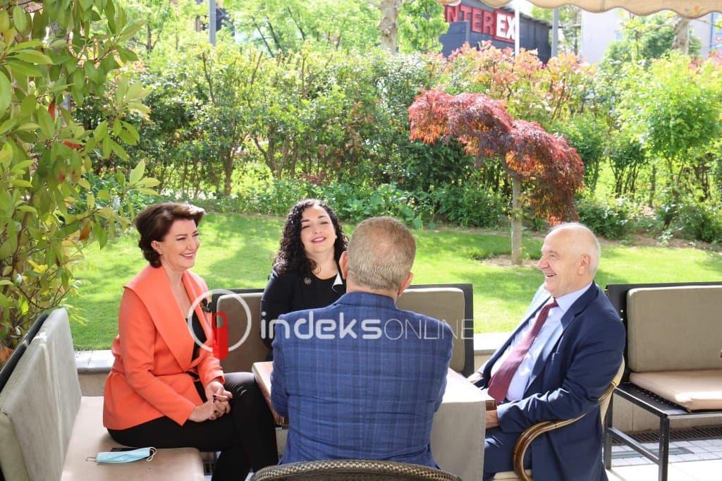 Një tavolinë me presidentë - Indeksonline.net